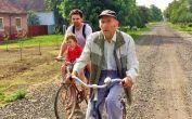 Fahrradtour durch die 35 m breiten Dorfgassen