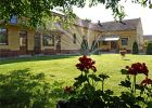 Im Hof des Heimathauses an einem heissen SommervormittagIm Hof des Heimathauses an einem heissen Sommervormittag