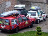 Die Transporter des Team 29 auf dem Parkplatz