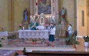 Der stellvertretende Pfarrer aus Lovrin während der Messe mit der neuen Anlage