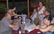 Billeder und Ex-Billeder beim allabendlichen Zusammensitzen in der Laube im Hof des Hauses