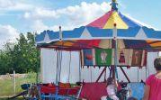 Das Kinderkarussell, seit Generationen auch ein Bestandteil der Kichweih im Dorf, wurde früher mit Muskelkraft angetrieben