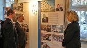 Ausstellung, die die Seitenwände des Saales säumte: >> Das Banat- eine Reise nach Europa << im Festsaal der Karlsburg Durlach am 31. 03.2014