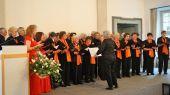 Umrahmt wurde dieser Nachmittag vom Chor der Banater Schwaben Karlsruhe mit ihrer Dirigentin Hannelore Slavik, den Solistinnen Irmgard Holzinger-Fröhr und Melitta Giel, begleitet von der Pianistin Dorothea Slavik