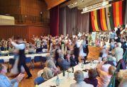 Ausmarsch der Trachtenpaare der Banater Schwaben Karlsruhe nach dem Kulturprogramm