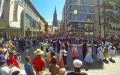 Samstag 7. Juni 2014: Banater Trachtengruppen mit Volkstänzen aus dem Banat in der Ulmer Fußgängerzone