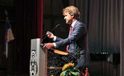 Der Karlsruher Oberbürgermeister Dr. Frank Mentrup bei seiner Ansprache