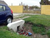 Vor dem Neugässer Friedhof