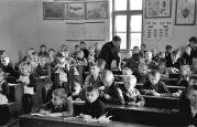 22.11.1943 Parta: In der deutschen Schule, ganze Klasse