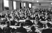 22.11.1937  Temeschburg: Deutsche Schule, Lenau-Schule, im Speisesaal