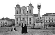 Temeschburg 04.1937: Marktplatz von Westen, Vordergrund Pestsäule