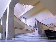 Treppenhaus der ehemaligen Klosterschule in der sich heute das Temeswarer Studentenkulturheim befindent