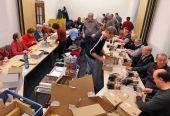 30 Landsleute sind am Sonntagmorgen zur Versandfertigmachung der Heimatblätter in Karlsruhe zusammengekommen